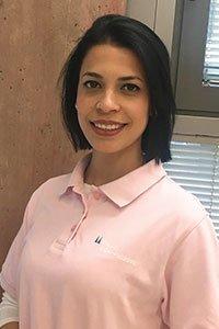 Frau Elaine Castillo als neue Mitarbeiterin seit Anfang des Jahres in der Praxis WDR-Arkaden Köln tätig.